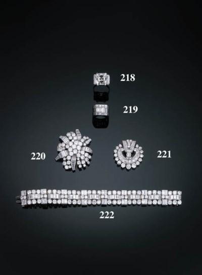 A Diamond-set Flexible line Br