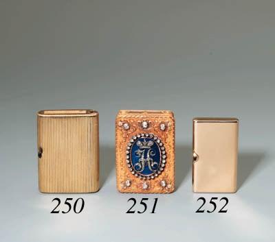 A gemset Card-case