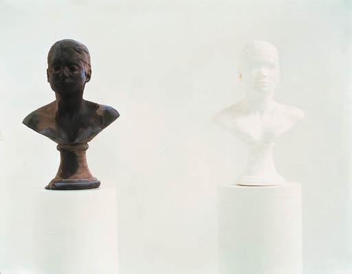 Janine Antoni (B. 1964)