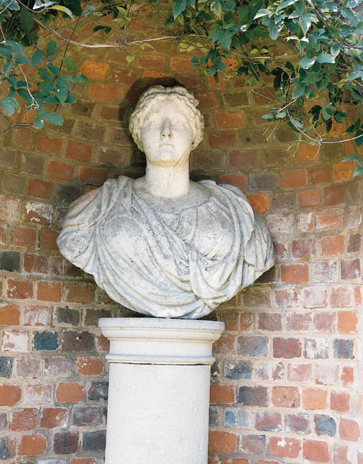 A French statuary marble bust