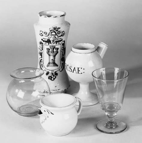 A glazed earthenware drug jar,