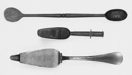 A continental pattern pewter medicine spoon,