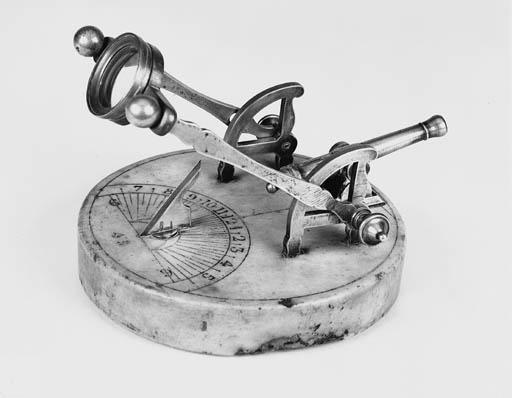 A 19th-Century noon cannon sun