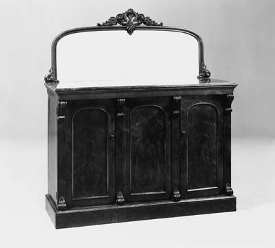 A VICTORIAN ROSEWOOD SIDEBOARD