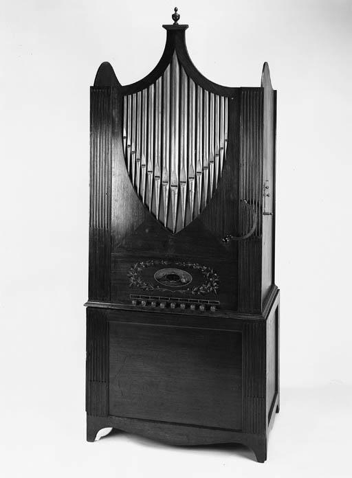 A chamber barrel organ