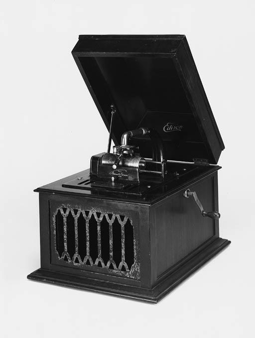 An Edison Amberola C VI table