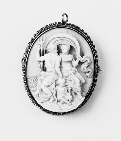 Two 19th Century cameo brooche