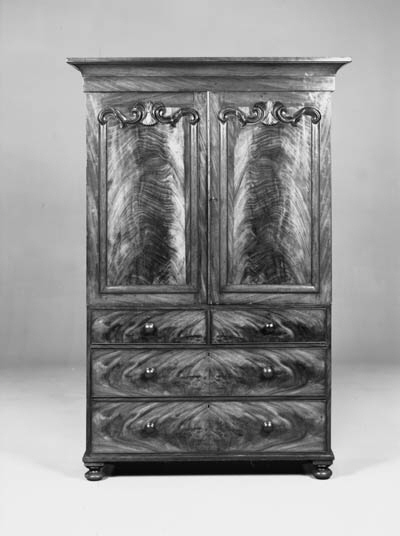 An early Victorian mahogany li