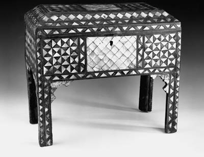 AN OTTOMAN MOTHER-OF-PEARL AND TORTOISESHELL INLAID WOOD RECTANGULAR BOX AND COVER