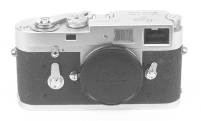 Leica M2 no. 1012261
