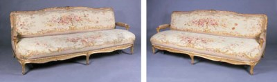 A PAIR OF GILTWOOD SETTEES
