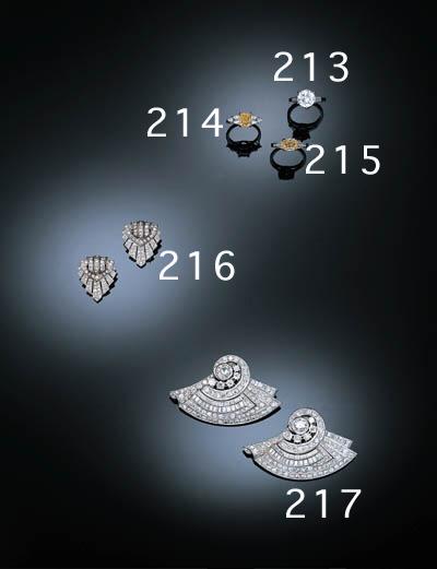A FINE SINGLE STONE DIAMOND RI