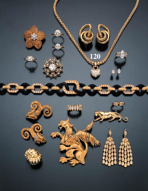 DIAMOND AND YELLOW GOLD NECKLA