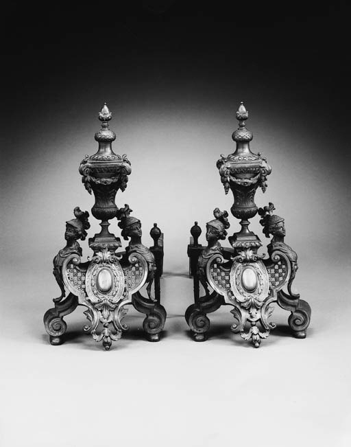 A PAIR OF REGENCE STYLE BRONZE