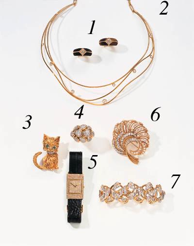 A DIAMOND AND GOLD RING, DAVID WEBB