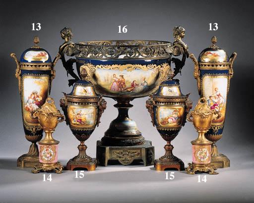 a pair of paris porcelain ormo