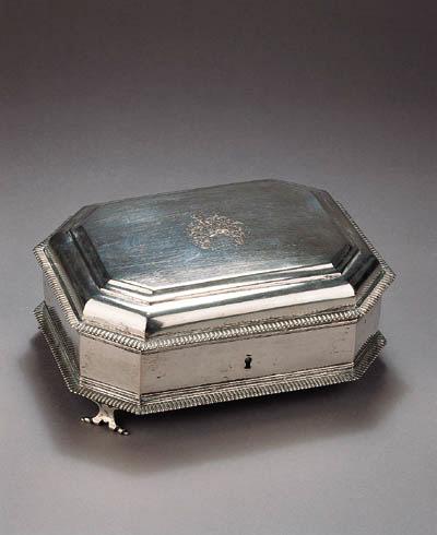 A Dutch silver toilet box