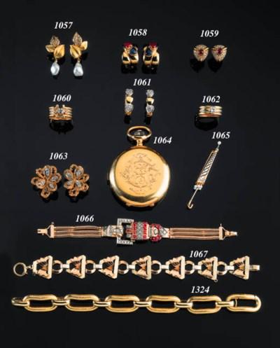 A SINGLE-CUT DIAMOND BAND RING