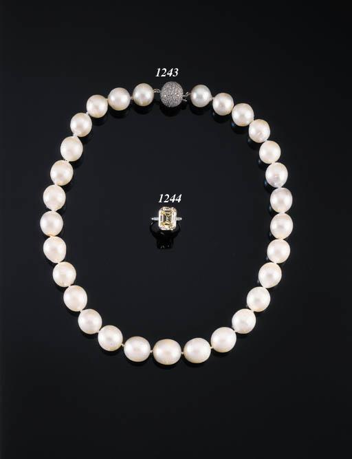 AN ELEGANT DIAMOND SINGLE-STONE RING OF 7.47CTS