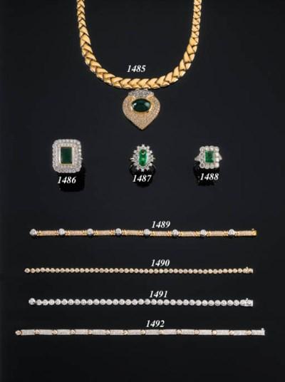 A DIAMOND RIVIE BRACELET