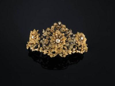 AN ELEGANT DIAMOND TIARA