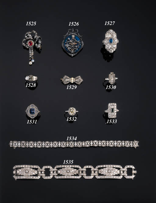 A DIAMOND PANEL RING, A BROOCH