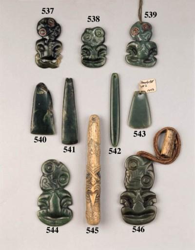 a maori jade neck pendant