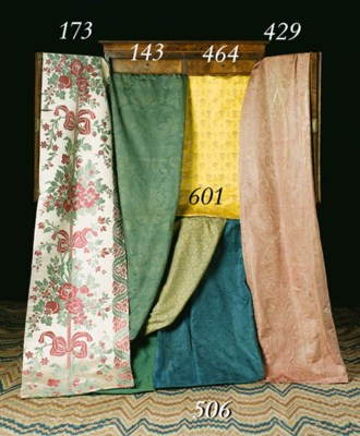 A LARGE COVERLET OF GREEN SILK
