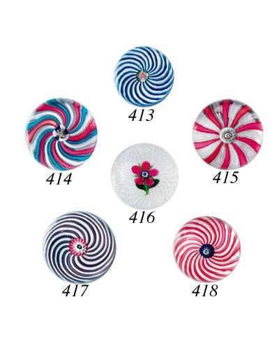 A Clichy three-colour swirl we