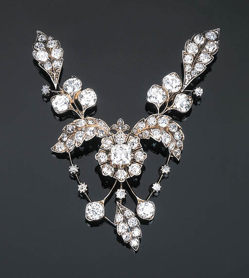An Antique Diamond Pendant