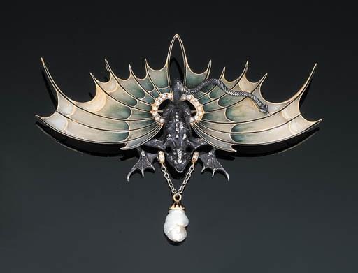 A Diamond-set Winged Dragon Br
