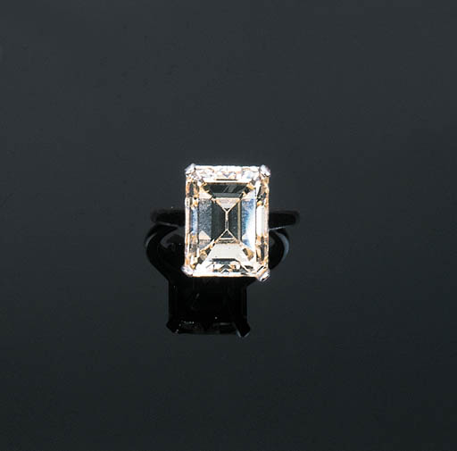 A Diamond Single-stone Ring by