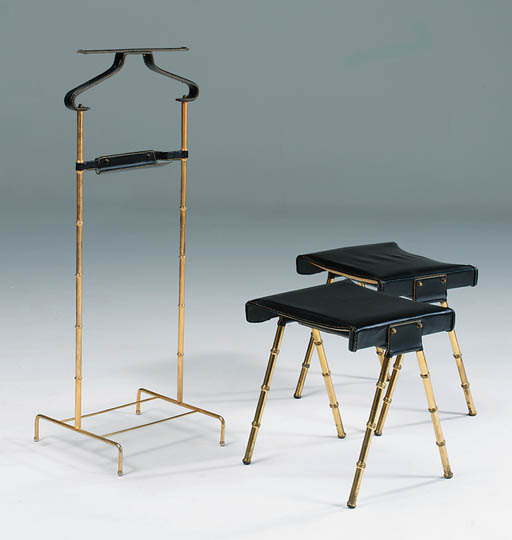 A valet and two stools