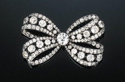 An Antique Diamond Bow Brooch