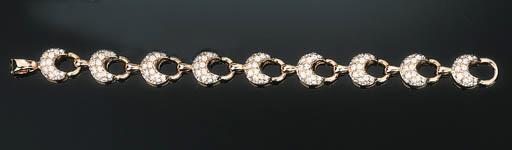 A Diamond-set Link Bracelet
