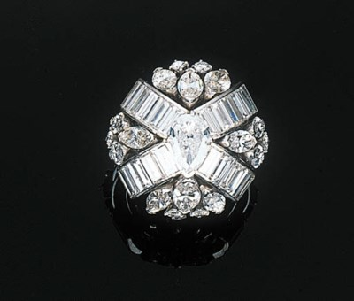 A DIAMOND AND DIAMOND-SET DRES