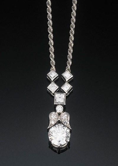 A Diamond Pendant Necklace by