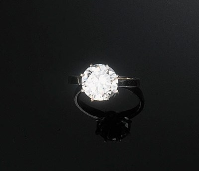 A Diamond Single-stone Ring by