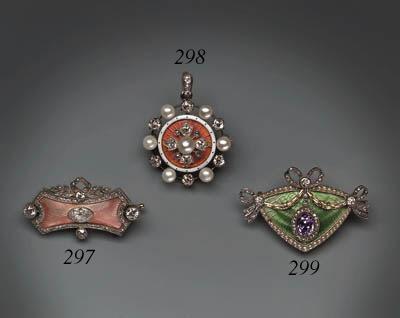 A jewelled gold-mounted guilloch enamel Brooch-pendant