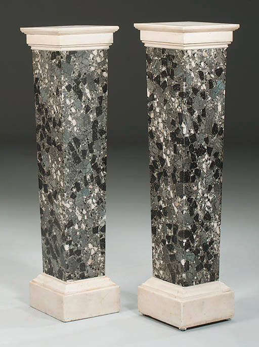 A PAIR OF GREY BRECHE SCAGLIOL