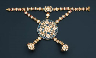 A DIAMOND AND ENAMEL HATHPHUL