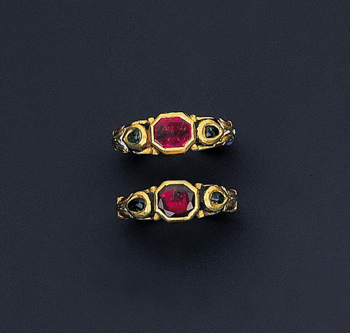 A PAIR OF CHARMING MUGHAL SPIN