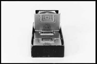 Folding viewfinders
