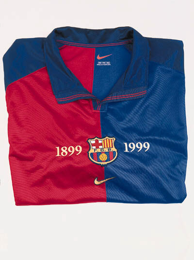 A red and blue F.C.Barcelona s