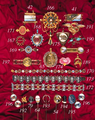A Giuliano gem set brooch,