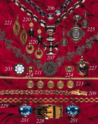 A 19th Century gold locket nec