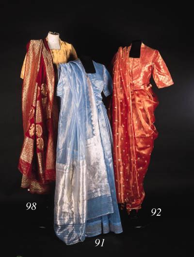 A sari of ivory pashmina wool,
