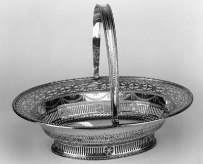 A George III pierced cake bask