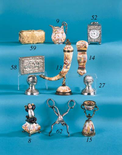 A George IV snuff box,