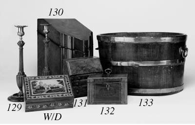 Two George III tea caddies, la